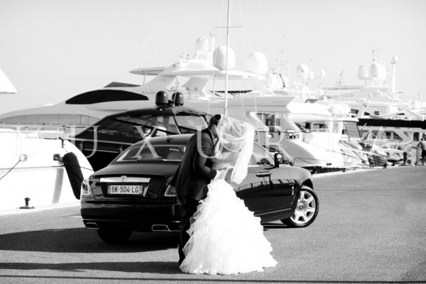 LUXURY CAR OR CARRIAGE FOR YOUR WEDDING