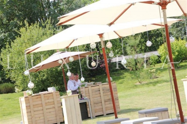 ECOLOGICAL FURNITURES FOR YOUR WEDDING IN PROVENCE