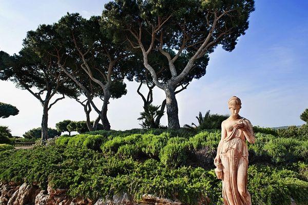 Chateau de St Tropez : incredible wedding venue with sea view
