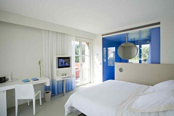 BENKIRAÏ HOTEL