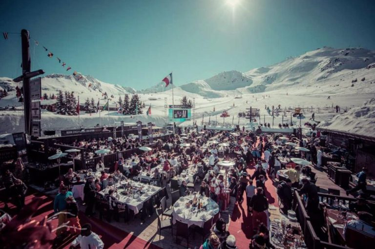 Restaurant on the ski slope for wedding in Courchevel