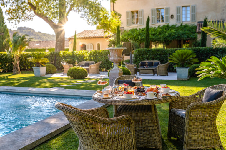 Luxury castle for wedding in Provence